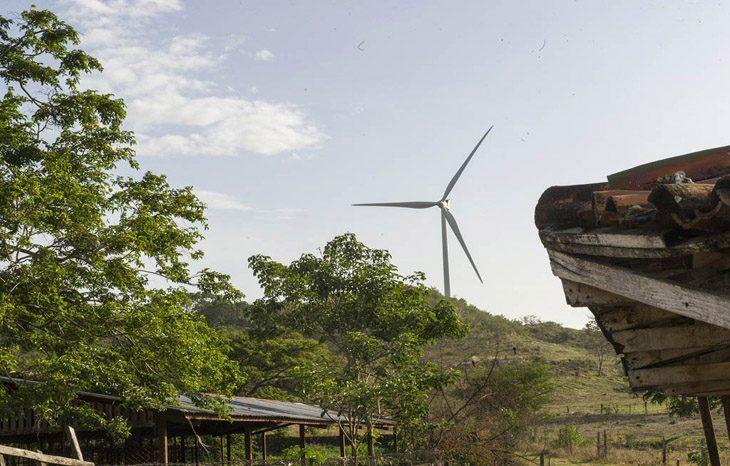 Ученые: самые дешевые источники энергии Солнце и ветер
