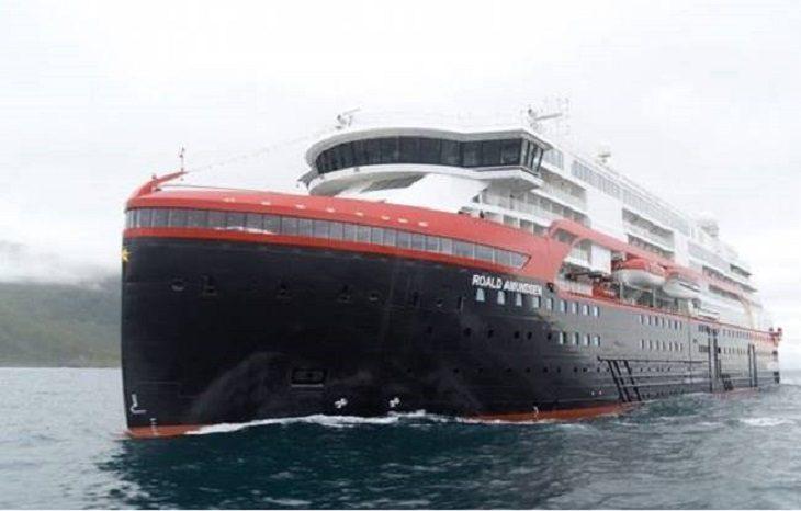 В Норвегии спустили на воду уникальный гибридный лайнер