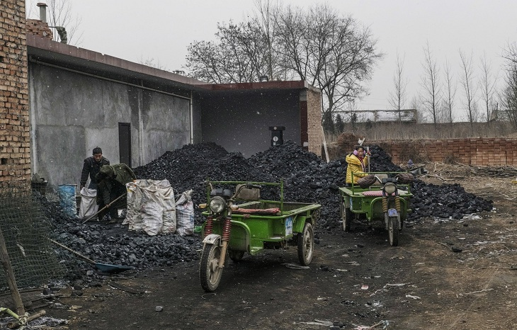 In China's Coal Country, a Ban Brings Blue Skies and Cold Homes