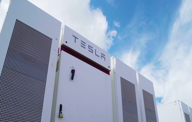 Батарея Tesla за пару дней сделала своего владельца богаче на $800 тыс.