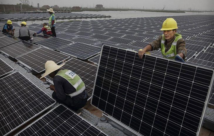 Китай больше всех в мире инвестирует в «зеленую» энергетику