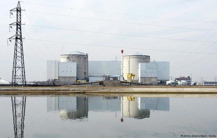 Во Франции выведут из работы самую старую АЭС