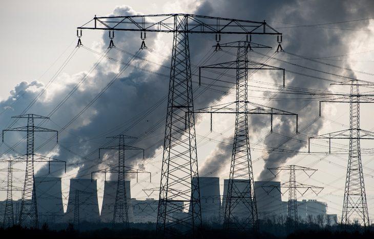 Как промышленность разрушает озоновый слой